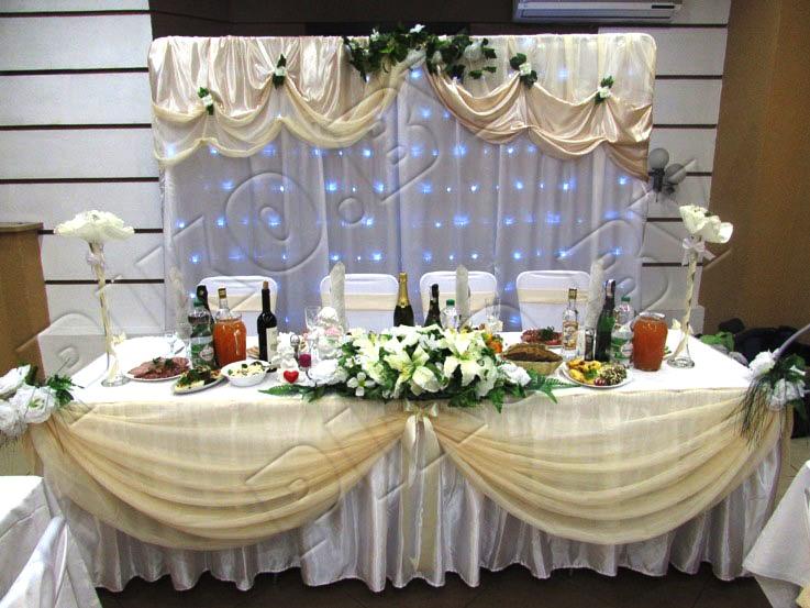 Бежевое оформление зала для свадьбы